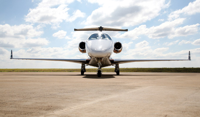 Phenom_300_Light_Corporate_Jet.jpg