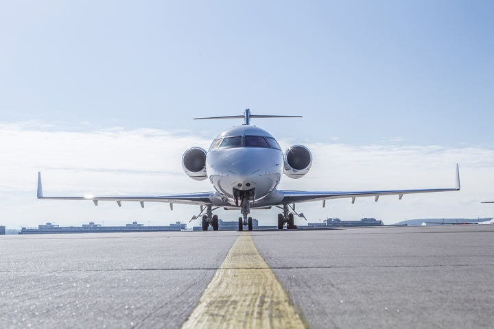 DCAF_Bombardier Challenger.jpg