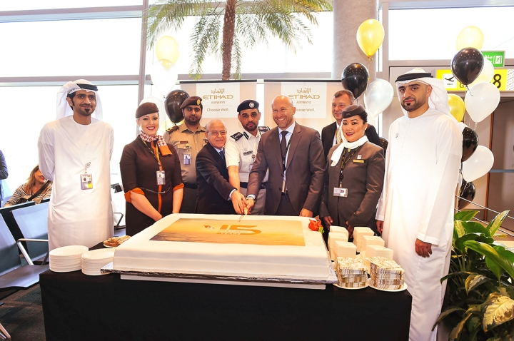 Etihad Airways commemorates its first flight - Image 2.jpg