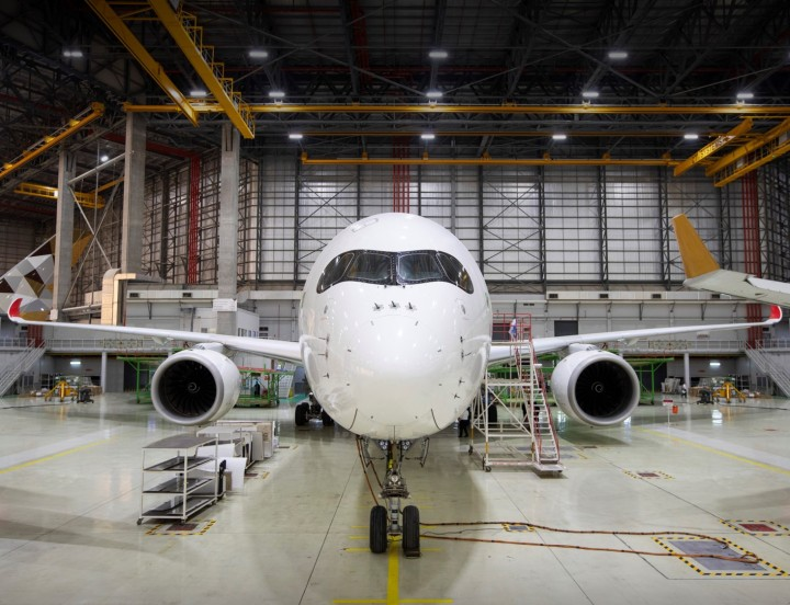 Etihad Airways Engineering  launches A350 maintenance services low res.jpg